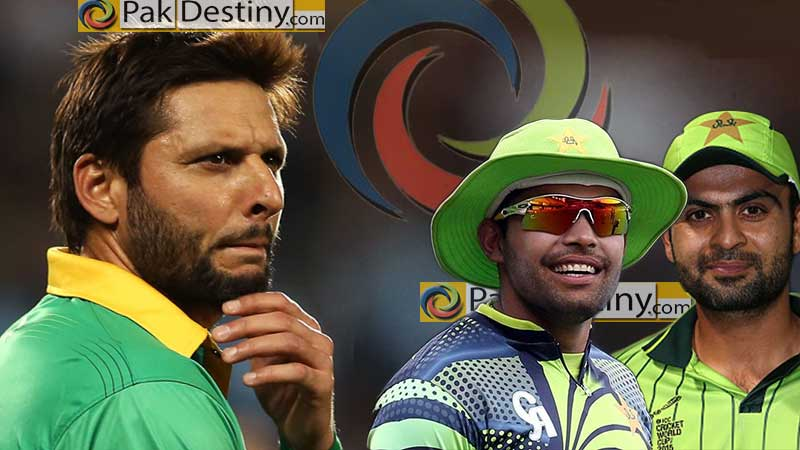 shahid afridi looking frustrated,umar akmal and ahmed shahzad smiling