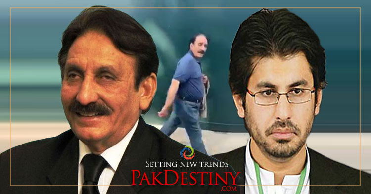 Former chief justice Iftikhar Chaudhry was heckled in London and was called thief.